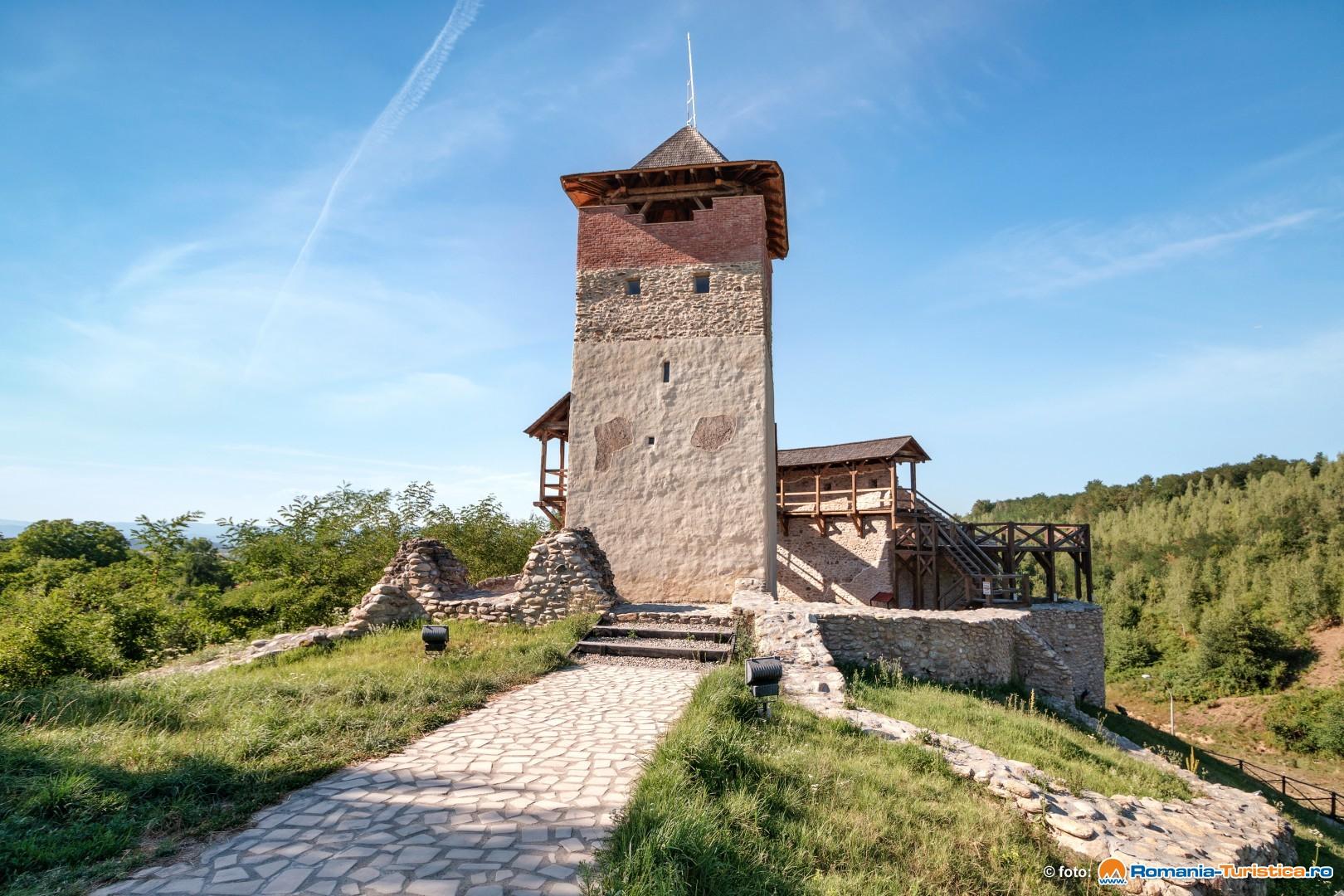 Cetatea Malaiesti, bijuterie medievala in Tara Hategului