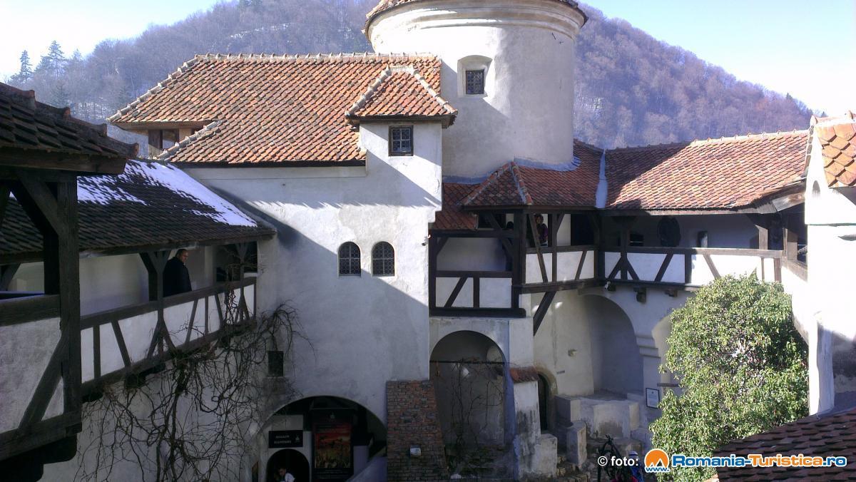 """Casatelul Bran - adresa """"din buletin"""" a contelui Dracula"""