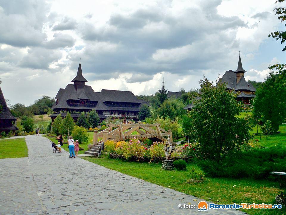 Manastirea Barsana, exterior